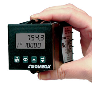 1/16 DIN Counter and Batch Controllers | DPF940000 Series