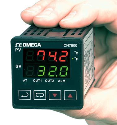 1/16 DIN-ramp/soak-controllere | CN7800 Series